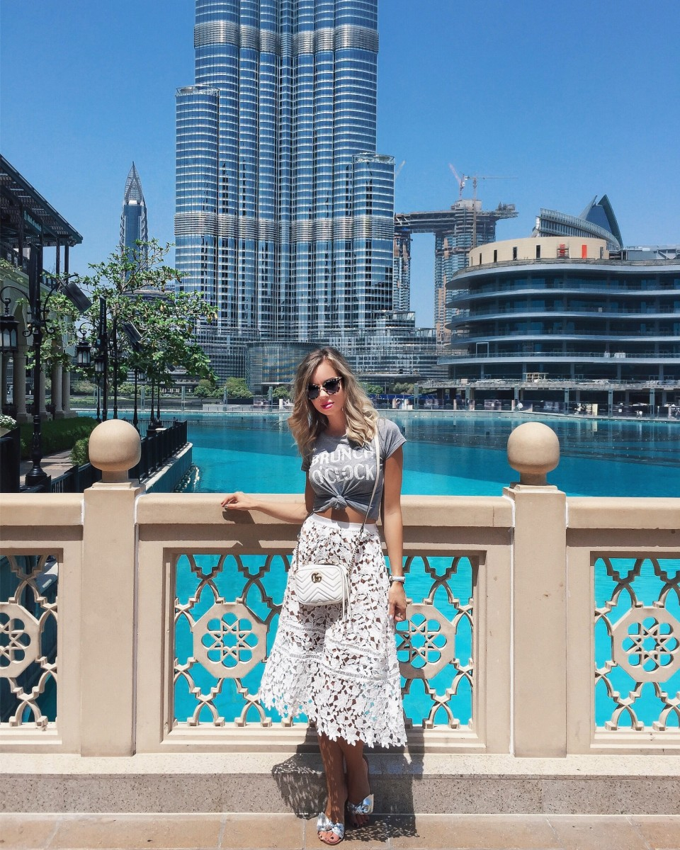 What to wear in Dubai: Outfit Dubai at the Dubai Fountain