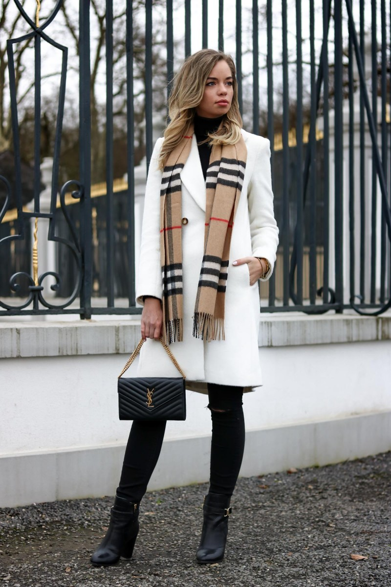 Closet Detox and Outfit Burberry Scarf, white coat, Saint Laurent Bag, YSL Bag, Blogger, Streetstyle, Fashion Blog Köln
